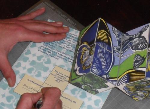 Assinar a folha que ficará como lembrança da partilha desta transformação.
